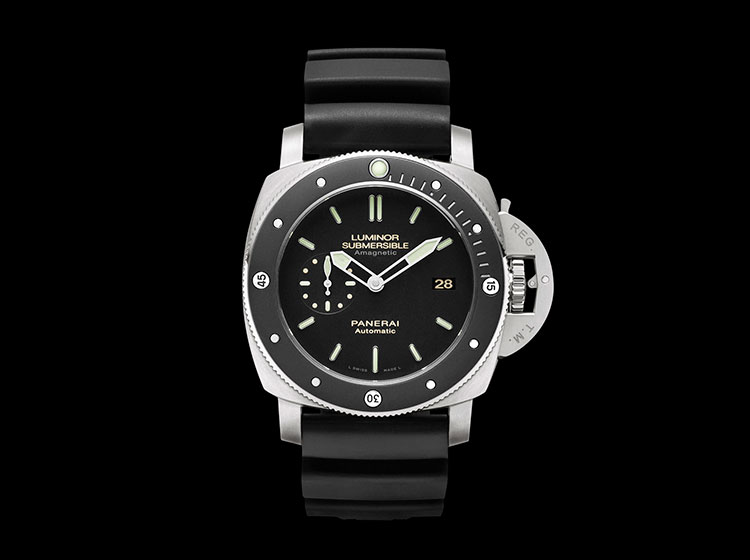 Officine Panerai Luminor Submersible 1950 Amagnetic 3 Days Automatic Titanio